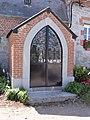 Flaumont-Waudrechies (Nord, Fr) chapelle devant maison.jpg