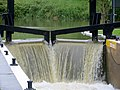 Flood flow over the lock gates at Yarwell - May 2014 - panoramio.jpg