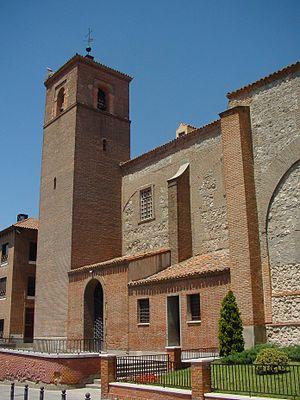Church of Santa María la Blanca (Alcorcón) - Image: Frontal de Iglesia en Alcorcón