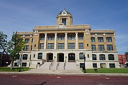 Gainesville June 2017 09 (Cooke County Courthouse).jpg