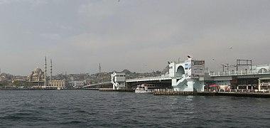 Galata Bridge and New Mosque.jpg