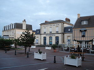Courseulles-sur-Mer - Image: Gare courseulles france dec 2007