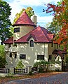 Gatehouse on Deerhill Road.jpg