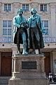 Goethe-Schiller-Denkmal in Weimar.jpg