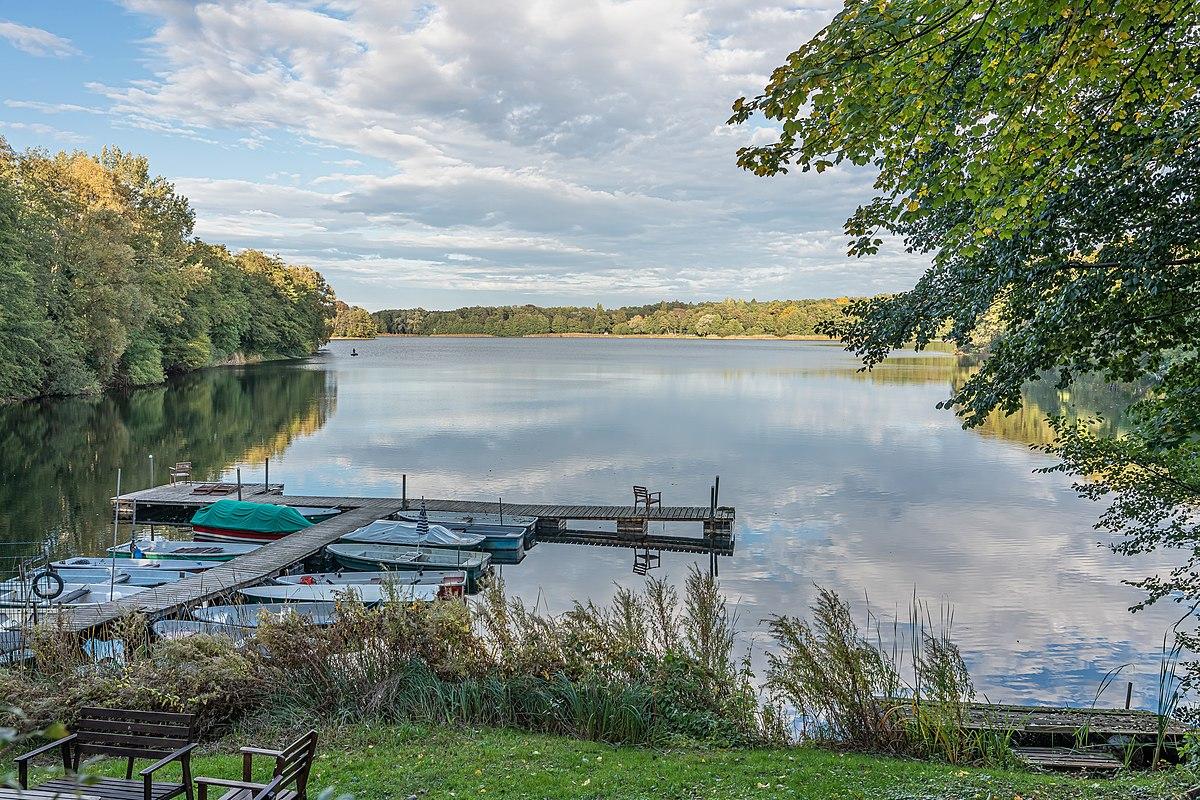 GrGlienicke asv2020-10 img15 Lake Glienicke.jpg