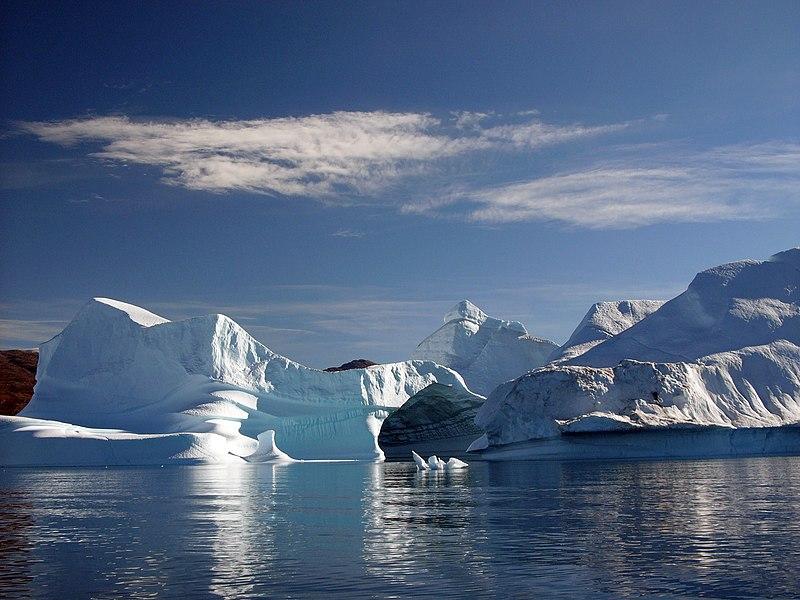 800px-Greenland-iceportal_hg.jpg