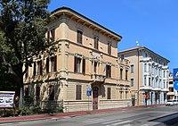 Grosseto, edificio del demanio, in stile liberty 01.jpg