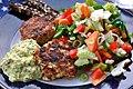 Grov remoulade, fiskefrikadeller, salat og rugbrød (6006379618).jpg