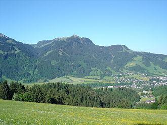 Hahnenkamm, Kitzbühel - Hahnenkamm above Kitzbühel, May 2005