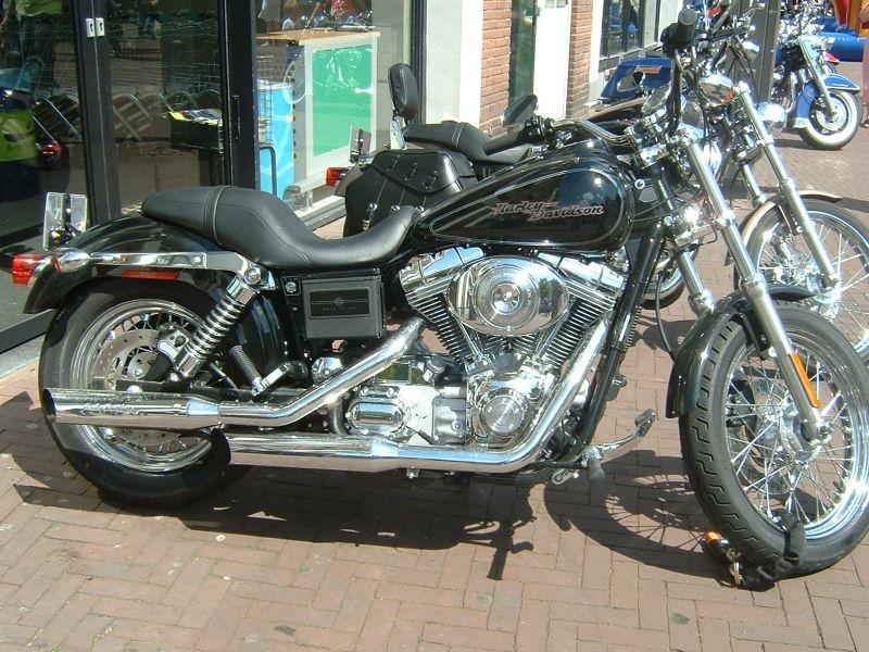 File:Harley-Davidson 18.jpg