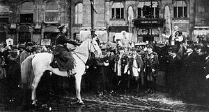 Hungarian Republic (1919–20) - Admiral Miklós Horthy entering Budapest as the head of the National Army on 16 November 1919. He is being greeted by city officials in front of the Hotel Gellért.