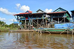 Houses on the water in Kampong Phlouk