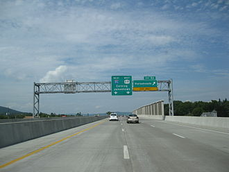 Interstate 86 (Pennsylvania–New York) - Approaching exit 53 on the westbound Horseheads Bypass (I-86)