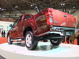 ISUZU D-MAX, 2nd Gen, Rear Perspective View.jpg