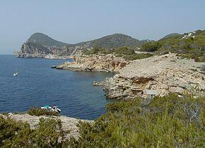 Meeresbucht auf Ibiza