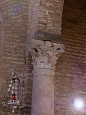 Iglesia de Santa Marina, Sevilla. Capitel.jpg