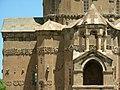 Insel Akdamar Աղթամար, armenische Kirche zum Heiligen Kreuz Սուրբ խաչ (um 920) (39526190545).jpg