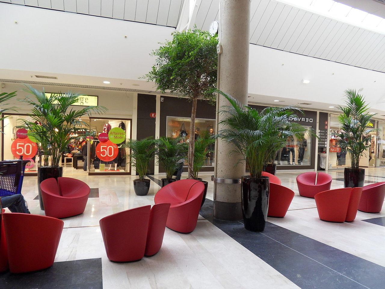 file int rieur centre commercial tourville la rivi re jpg wikimedia commons. Black Bedroom Furniture Sets. Home Design Ideas
