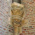 Interieur, detailopname van kapiteel, voor restauratie - Leiden - 20359811 - RCE.jpg