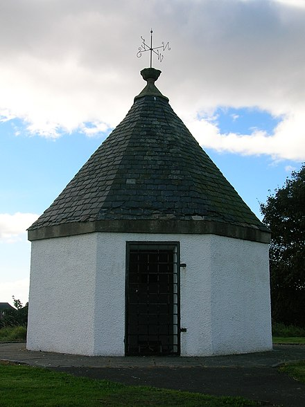 The old Powder or Pouther magazine dating from 1642, built by order of Charles I. Irvine, North Ayrshire, Scotland Irvinepowderhouse2.JPG