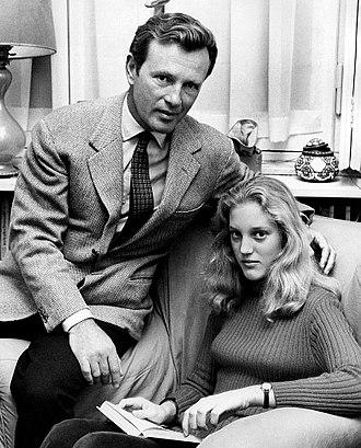 Jacques Sernas - Image: Jacques Sernas with daughter 1971