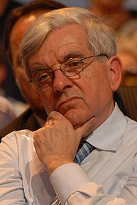 Jean-Pierre Chevènement - Royal & Zapatero's meeting in Toulouse for the 2007 French presidential election 0513 2007-04-19 cropped.jpg
