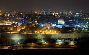 Jerusalem from Mount Of Olives at night.jpg