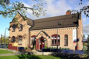 Trunk Line - Image: Jessheim railway station