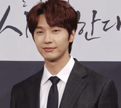 Ji Hyun-woo in Feb 2019.jpg