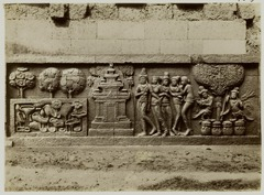 KITLV 27989 - Kassian Céphas - Relief of the hidden base of Borobudur - 1890-1891.tif