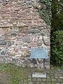 Kelsterbach Schloss Mauerrest 2.jpg