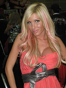 Kimber James Erotica Los Angeles 2009 (1).jpg