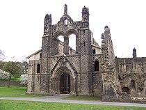 Kirkstall Abbey Kirche von Westen.jpg