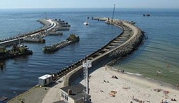 Polski: Wejście do portu