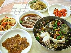 Korean.cuisine-Ganjang gejang and banchan-01.jpg