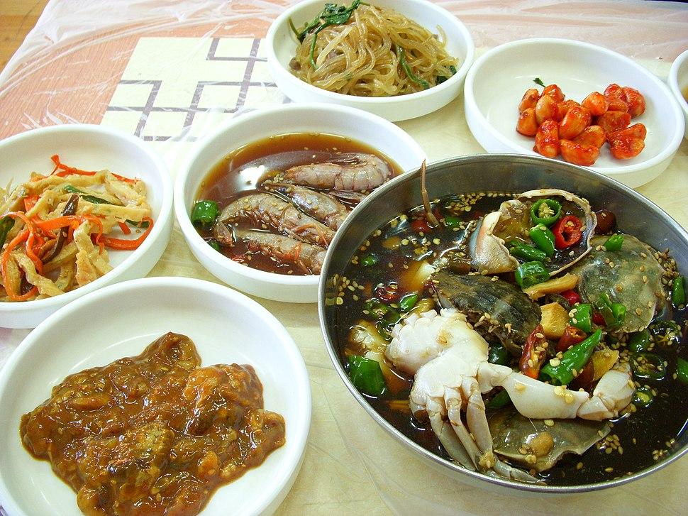 Korean.cuisine-Ganjang gejang and banchan-01