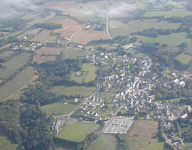 An aerial view of Lanvénégen