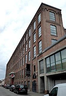 Photographie en couleurs représentant un bâtiment.