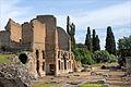 Le nymphée du palais (Villa Adriana, Tivoli) (5889202532).jpg