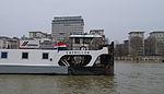 Le remorqueur Emerillon sur la Seine à Paris.jpg