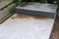 Leon Pasternak grave.jpg