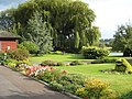Lock Keeper's garden at Rushey Lock on the Thames - geograph.org.uk - 708451.jpg