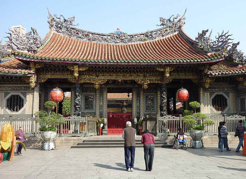 Longshan Temple - Right entrance.jpg