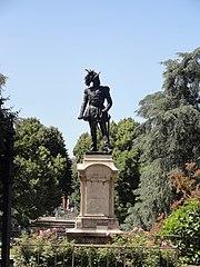statua a Luciano Manara
