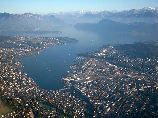Luzern am Vierwaldstättersee Luftaufnahme 2012 10