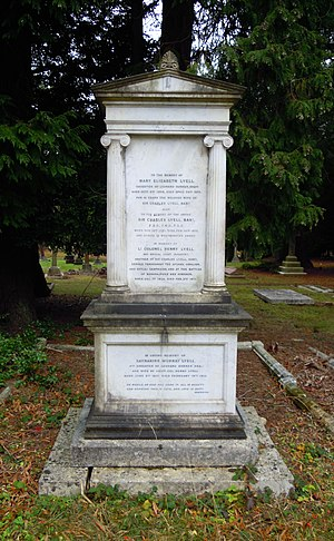 Charles Lyell - Lyell Family Grave in Brookwood Cemetery with a memorial to Lyell