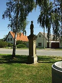 Mšecké Žehrovice, socha.JPG