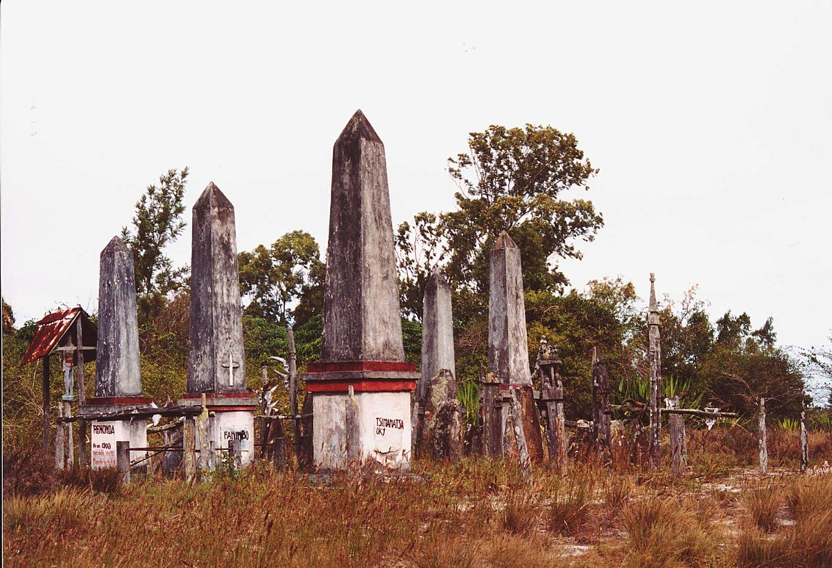 La Credenza Wikipedia : Credenze e riti tradizionali del madagascar wikipedia