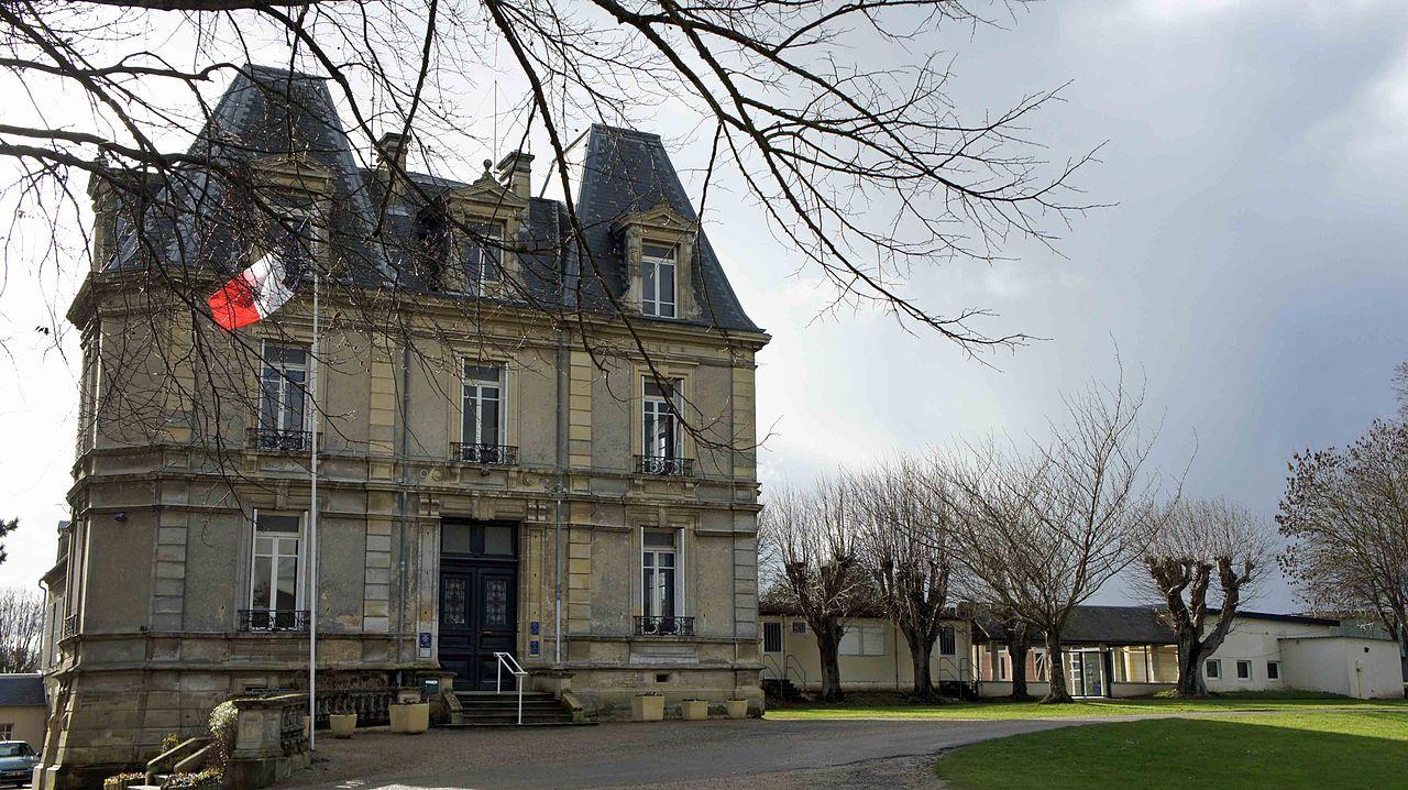Mairie Hermanville.jpg