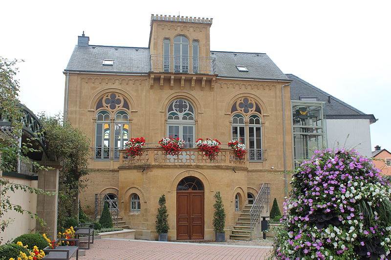 File maison dufaing walferdange 2012 08 2 jpg wikimedia for Maison moderne luxembourg wikipedia
